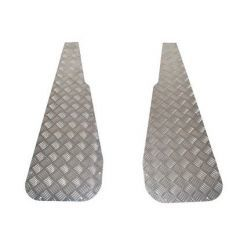 DA2004 - Wing Top Chequer Plate for Land Rover Series in Natural Aluminium
