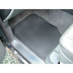 DA4430 - Range Rover P38 Rubber Footwell Mat Set - Front In Black - By Autograph