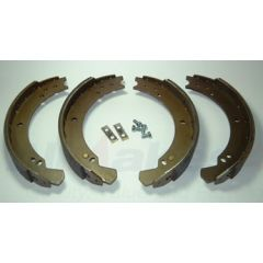 STC2796 - Brake Shoes for Defender 90, Front Series and Rear SWB Series - Aftermarket